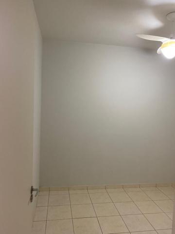 Alugar Apartamento / Padrão em Ribeirão Preto R$ 730,00 - Foto 4
