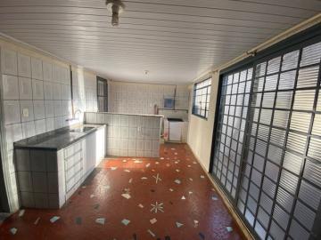 Alugar Casa / Padrão em Ribeirão Preto R$ 1.100,00 - Foto 11