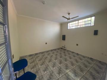 Alugar Casa / Padrão em Ribeirão Preto R$ 1.100,00 - Foto 17