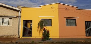Alugar Casa / Padrão em Ribeirão Preto R$ 700,00 - Foto 1