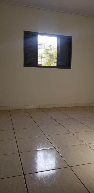 Alugar Casa / Padrão em Ribeirão Preto R$ 700,00 - Foto 6