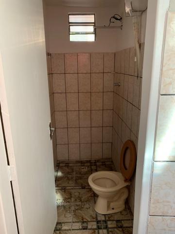 Alugar Casa / Padrão em Ribeirão Preto R$ 580,00 - Foto 2