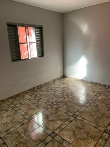 Alugar Casa / Padrão em Ribeirão Preto R$ 580,00 - Foto 4