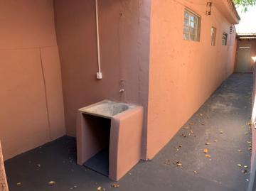 Alugar Casa / Padrão em Ribeirão Preto R$ 580,00 - Foto 6