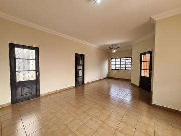 Alugar Casa / Padrão em Ribeirão Preto R$ 1.600,00 - Foto 7