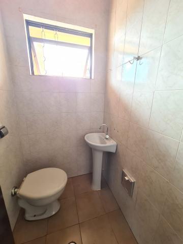 Alugar Casa / Padrão em Ribeirão Preto R$ 1.600,00 - Foto 8