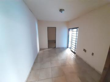 Alugar Casa / Padrão em Ribeirão Preto R$ 700,00 - Foto 2